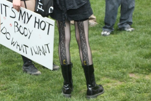 Slutwalk em Boston. Foto de Nina Mashurova no Flickr, em CC.