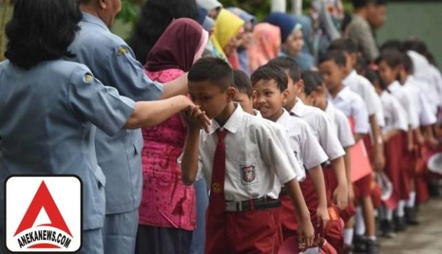 #Terkini: Kemendikbud Beri Penghargaan 7 Guru di Daerah Perbatasan