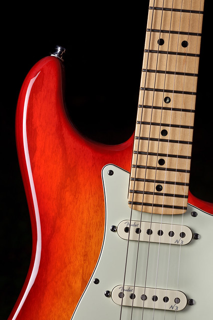 Fender American Deluxe Stratocaster in Ash