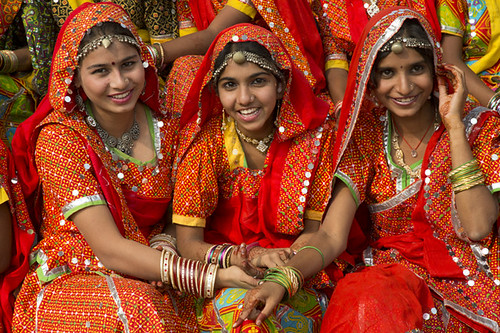 Rajasthani girls - a photo on Flickriver