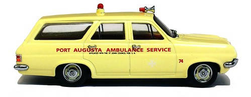 Trax 1965 Holden HD Ambulance (1)
