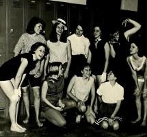 1960s Women Barefoot