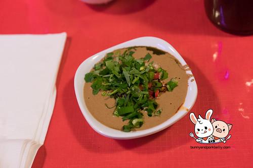 Sauce - sesame paste, 韭菜花,腐乳,scallions, 香菜,红辣椒,garlic