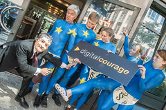 EU-Datenschutz – Nackter Protest vor dem Innen...