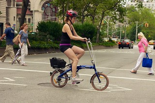 New Yorkers like tiny bikes that fold up into ...