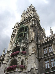 "Das Rathaus • <a style=""font-size:0.8em;"" href=""http://www.flickr.com/photos/42554185@N00/14717538506/"" target=""_blank"">View on Flickr</a>"