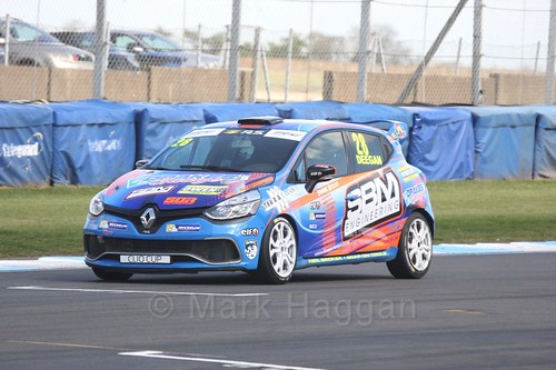Shayne Deegan in Clio Cup qualifying during the BTCC Weekend at Donington Park 2017: Saturday, 15th April