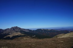 Panorama muntilor Ciucaș și Urlătoarea