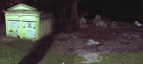 Tétrico Cementerio Coban by Karlbert