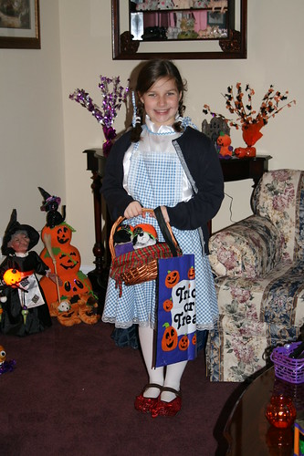 Little Dorothy and the Halloween decorations