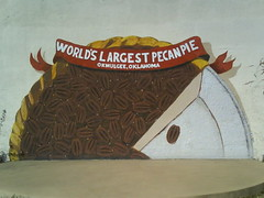 World's Largest Pecan Pie Mural