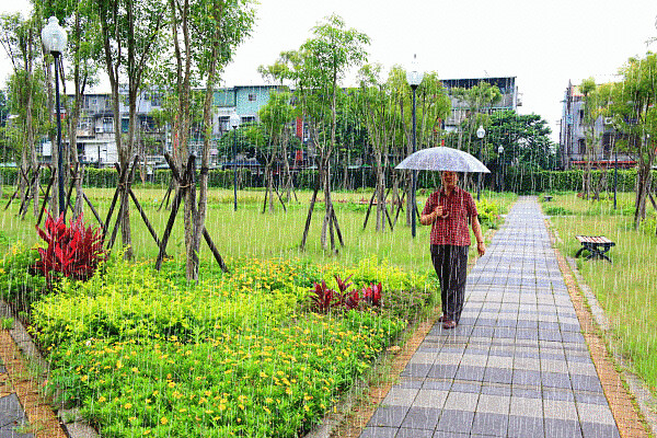 GG00板橋浮洲親民公園-雨越下越大   Flickr - Photo Sharing!