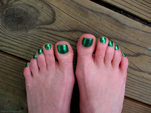 beetle green toes  taken the day before i flew away to