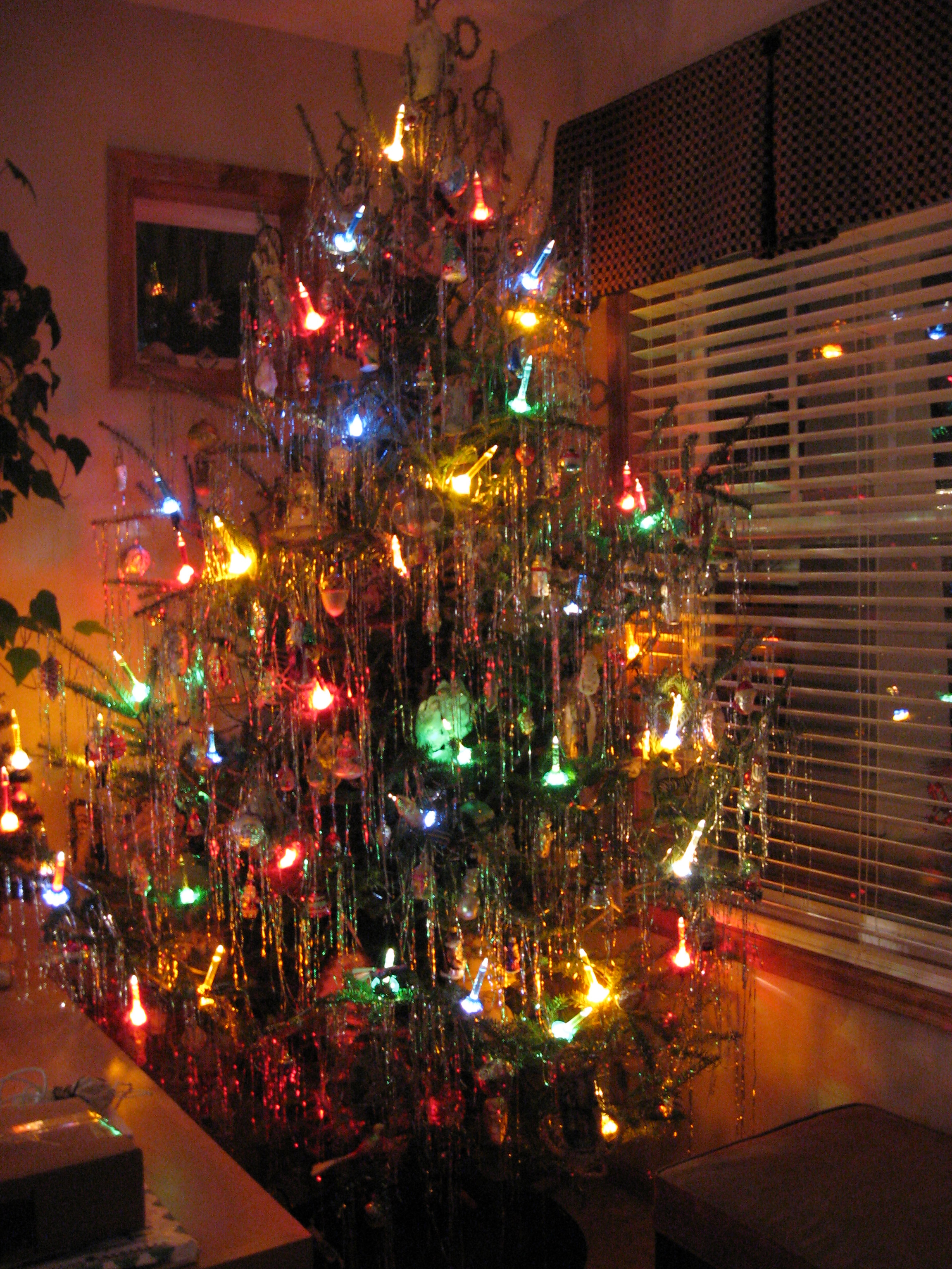 50 S Christmas Tree With Bubble Lights Flickr