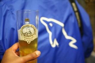 MySQLers tour a brewery