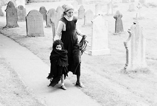 L'Abri 1974 (England) - Janet & Rachel Jacobs.