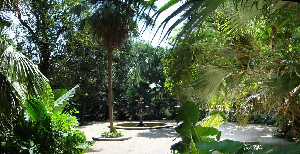 India Udaipur Jardin de las doncellas Shahelyon ki Bari  05