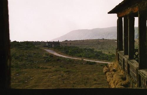 Carretera saliendo de Bokor Hill Station
