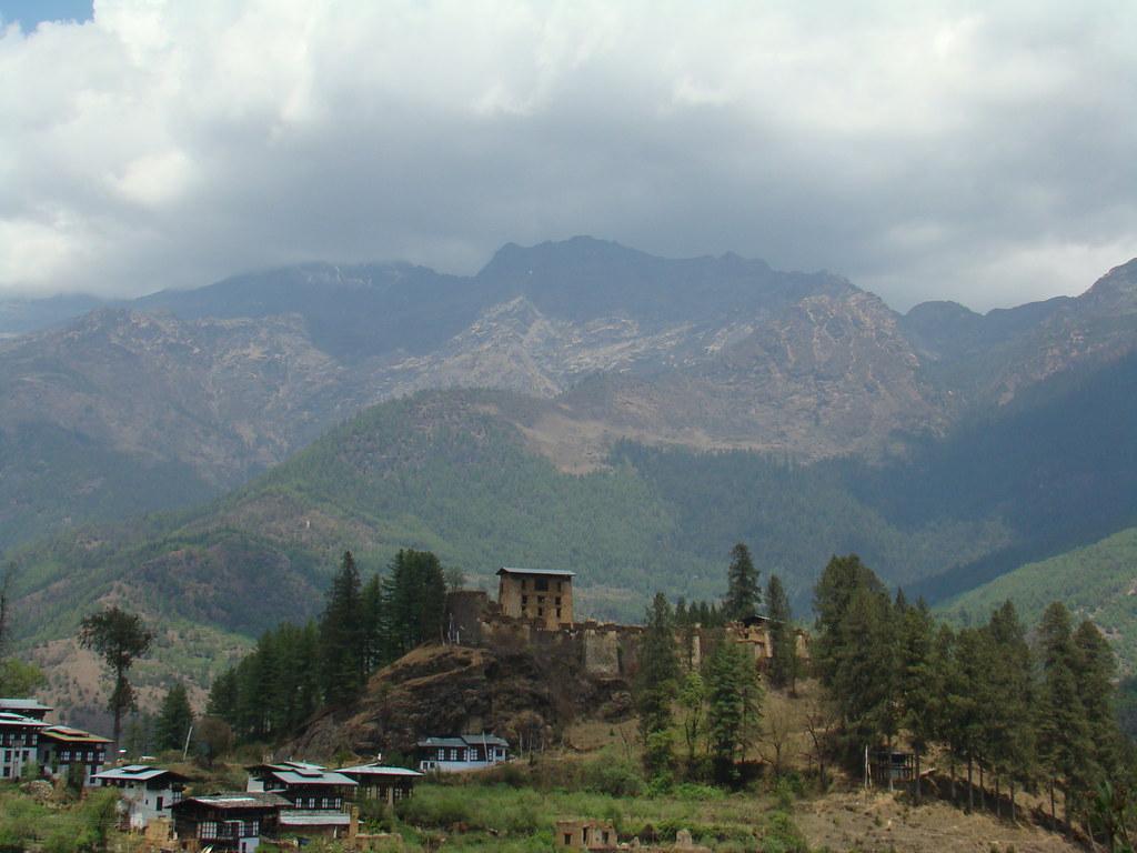 Fortaleza Drugyal Dzong-Paro-Bhutan 01