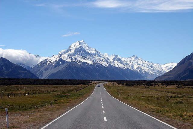 Mount Cook - The quiet roads of New Zealand