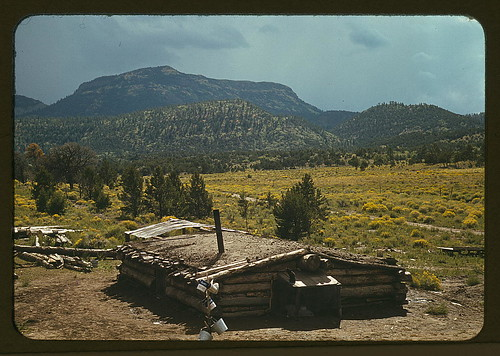 Dugout house of Faro Caudill, homesteader with Mt. Allegro in the background, Pie Town, New Mexico (LOC)