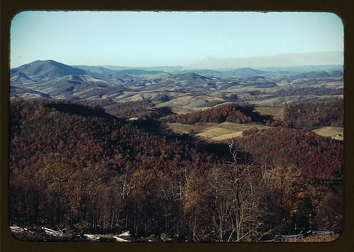 [Mountains along the Skyline Drive in Virginia] (LOC)