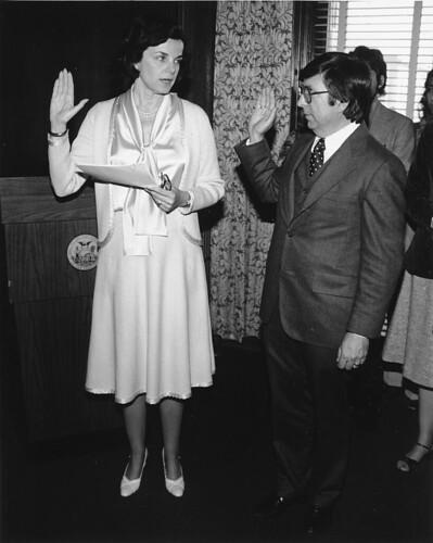 Swearing into office, Dianne Feinstein