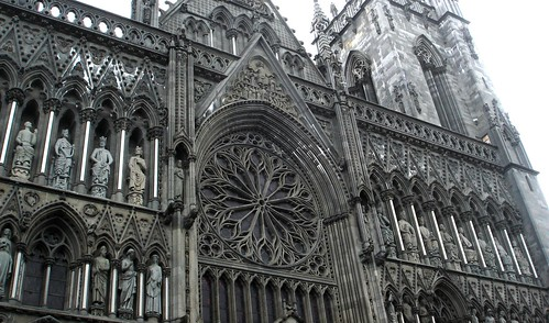 Nidaros Cathedral by little_frank