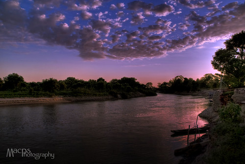 Sunrise in Paraguay River by macps