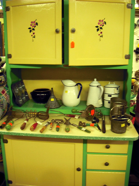 yellow and green kitchen display  why yes cabinet you