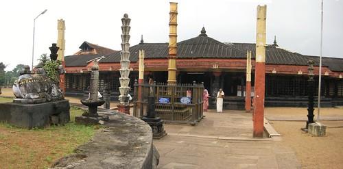 Nandhi, Balipeetam and Dwajasthambam