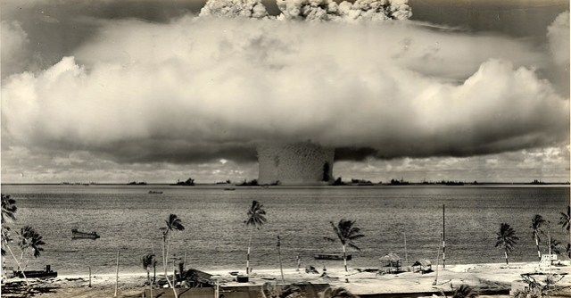 1946 ... Baker Shot- Bikini Atoll 'Operation-Crossroads'