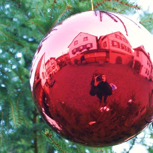 kleiner roter weihnachts-planet.