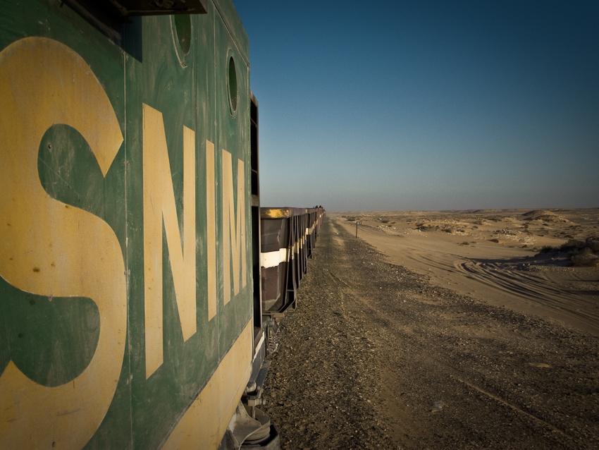 Im Zug durch die Wüste