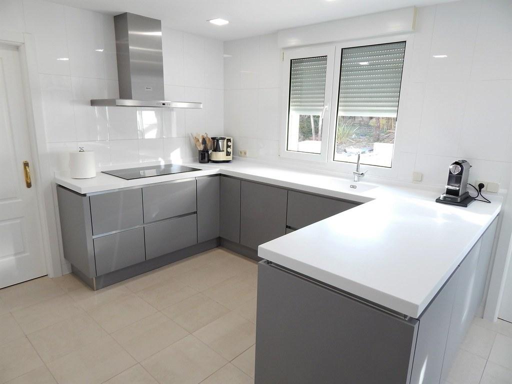 cocinasalemanascom  Muebles de cocina laser gris perla y blanco