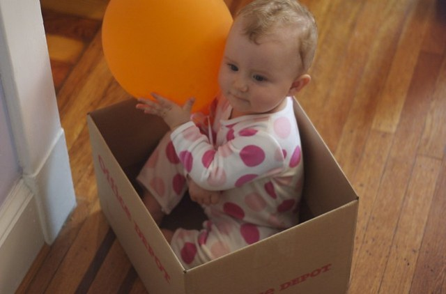 Box of Baby (with balloon)