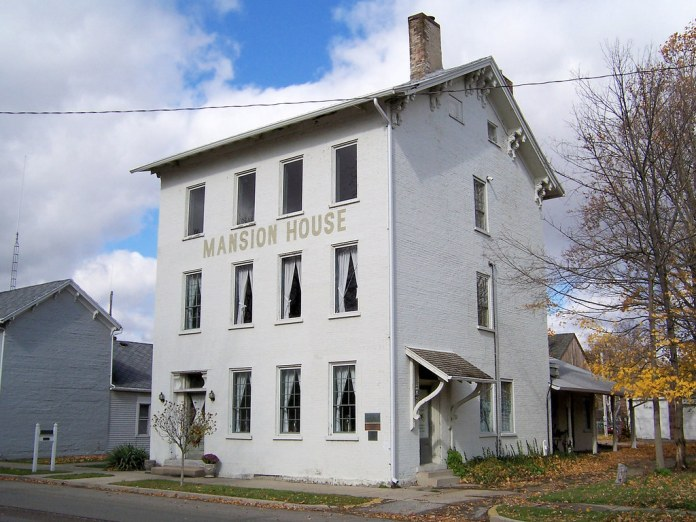 Mansion House, Centerville
