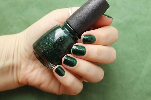 01 China Glaze Emerald Sparkle swatches