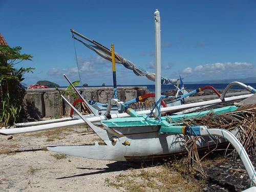 200907070055_Candi-Dasa-boat