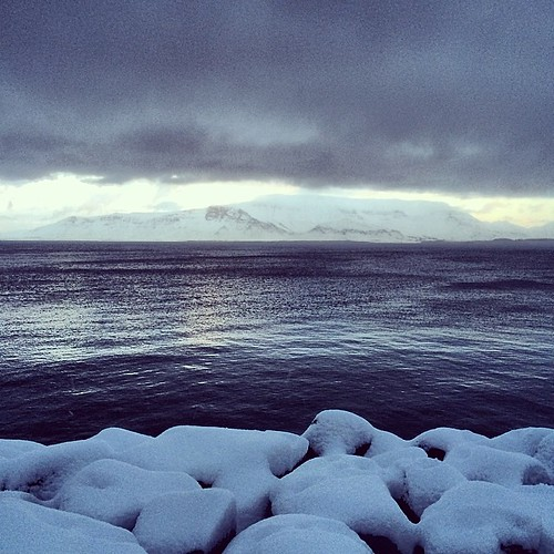 Black ocean, white mountain #esja #iceland #reykjavík