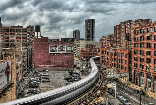 """Turning day into night - The """"L"""" train """"S"""" curve - Chicago"""