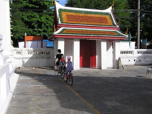 Bangkok, temple area, cycling