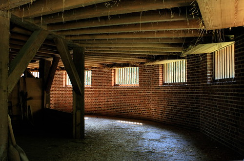 Mount Vernon's threshing barn. Photo copyright Jen Baker/Liberty Images; all rights reserved.