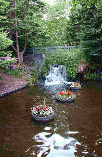 floating flower pots with waterfall