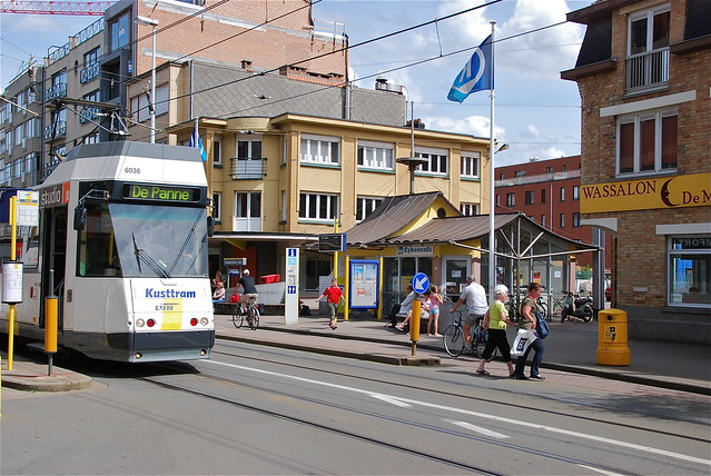 Arrt de tram  Oostduinkerke  Flickr  Photo Sharing