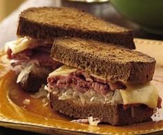Slow Cooker Reuben Sandwiches Recipe