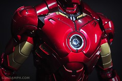 Hot Toys Iron Man 2 - Suit-Up Gantry with Mk IV Review MMS160 Unboxing - day1 (34)