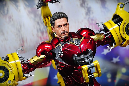 Hot Toys Iron Man 2 - Suit-Up Gantry with Mk IV Review MMS160 Unboxing - day3 (62)