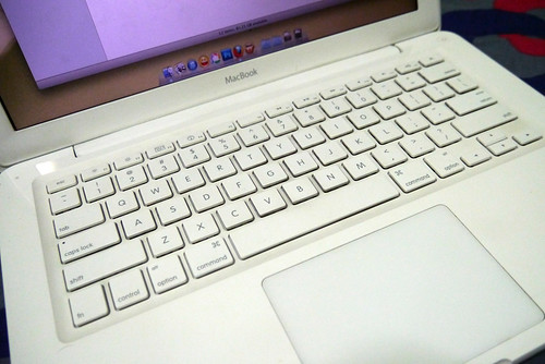 Macbook White Unibody 2013 003