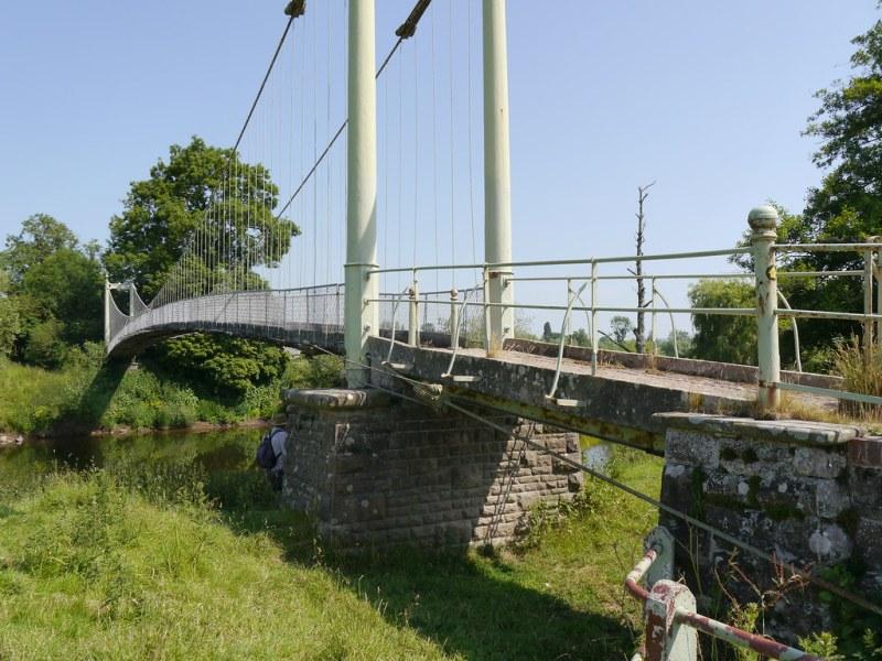 Kings Caple - steel bridge